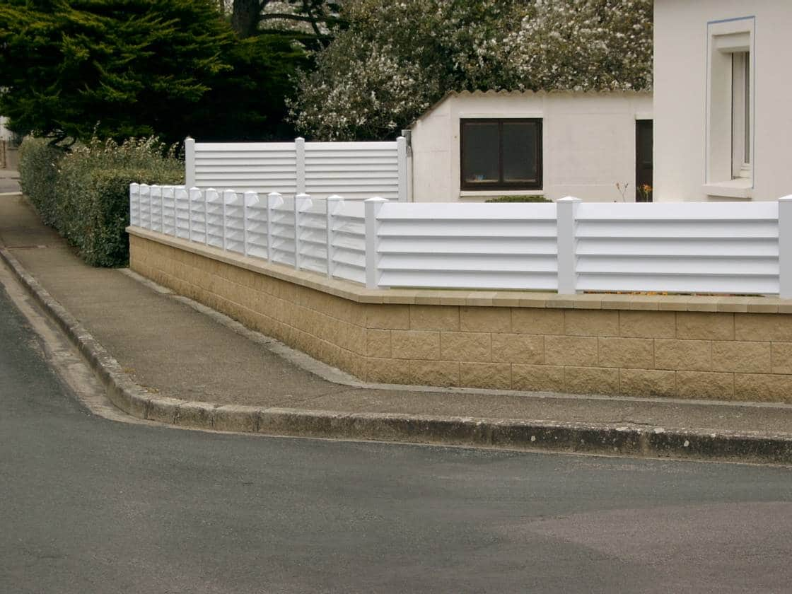 Blocs piliers pierre clat e perin groupe for Pilier decoratif exterieur